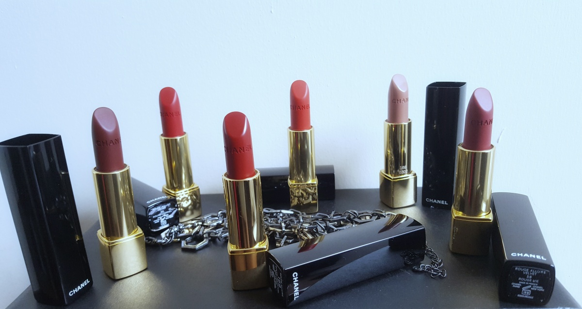 CHANEL Le Rouge Collection N°1 Lipstick
